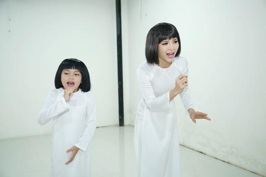 Khánh Nhi tham gia lớp học ngôi sao của vợ NSƯT Kim Tử Long - Ảnh 1.