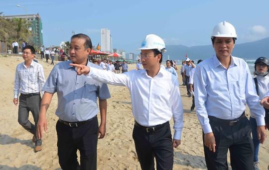 Bí thư Nguyễn Xuân Anh nhắc nhở các sở ngành hãy xem biển như là nhà để chăm sóc biển đẹp hơn