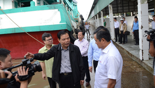 Phó Thủ tướng đang chỉ đạo ứng phó với bão số 16 (Tembin) tại Sóc Trăng - Ảnh 5.