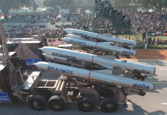 Người phát ngôn trả lời câu hỏi Việt Nam mua tên lửa Brahmos - Ảnh 1.