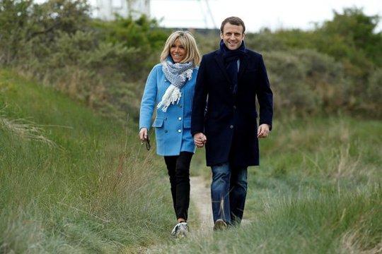 Vợ của ứng viên tổng thống Macron được xem là một biểu tượng thời trang của Pháp. Ảnh: Reuters