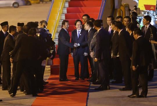 APEC 2017: Sân bay Đà Nẵng bận rộn từ sáng đến đêm - Ảnh 11.