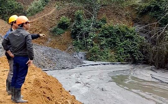 Hiên trường khu vực vỡ hồ chứa nước thải - Ảnh: Ca Trường