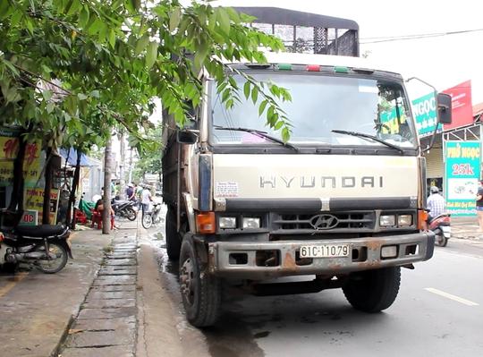 TP HCM: Xe tải cán chết một phụ nữ ở đoạn đường cong - Ảnh 2.