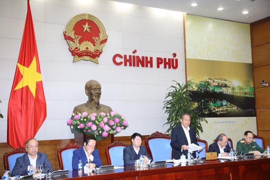 Phó Thủ tướng Thường trực Trương Hòa Bình chỉ đạo tại cuộc họp về khắc phục sự cố môi trường 4 tỉnh miền Trung - Ảnh: Lê Sơn