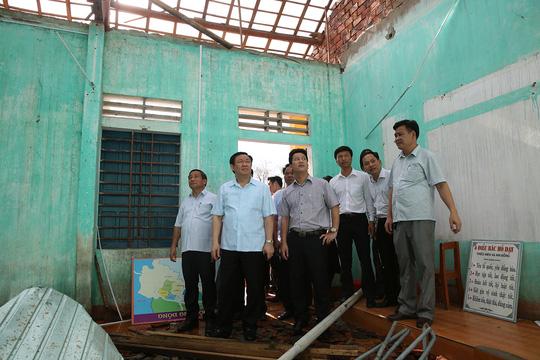 Cuối tuần, Phó Thủ tướng tặng quà trung thu trẻ mồ côi Hà Tĩnh - Ảnh 1.