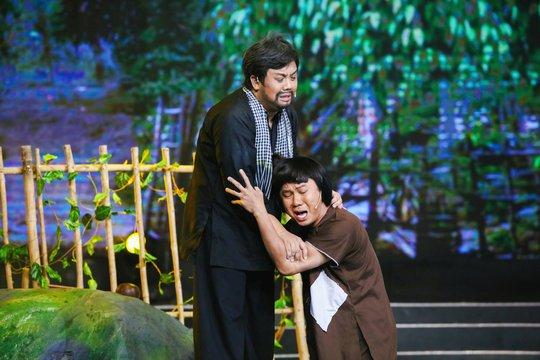 Em gái NSƯT Vũ Linh: Từng được khán giả cho gạo để ăn - Ảnh 5.