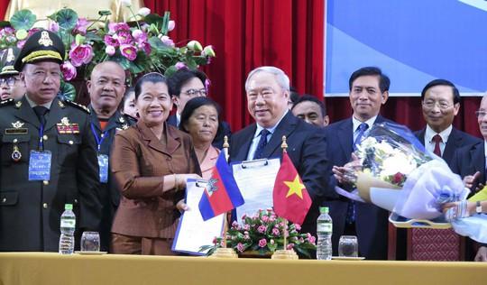 Tăng cường giao lưu hữu nghị Việt Nam - Campuchia - Ảnh 1.