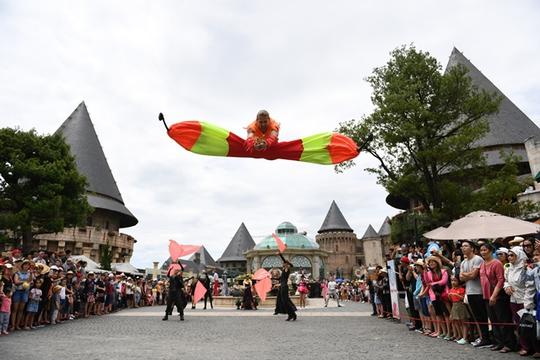 Sun World Ba Na Hills mang đến thủ đô màn trình diễn carnival đặc sắc nhất - Ảnh 3.