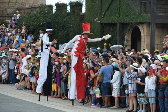 Sun World Ba Na Hills mang đến thủ đô màn trình diễn carnival đặc sắc nhất - Ảnh 2.