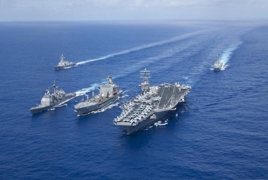 Ba nhóm tàu sân bay Mỹ tập trận chung: Chuyện hiếm có - Ảnh 2.