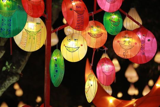 Quán Ăn Ngon phát hành bưu thiếp Thu Vọng Nguyệt quảng bá du lịch - Ảnh 1.