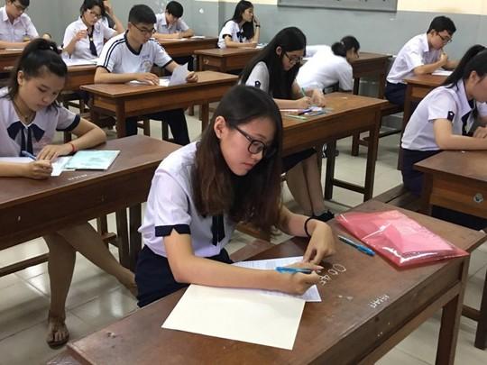 Gần 42% thí sinh tốt nghiệp nhờ cách tính điểm - Ảnh 1.