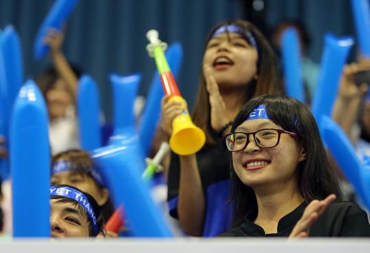 CĐV của trường ĐH Sài Gòn