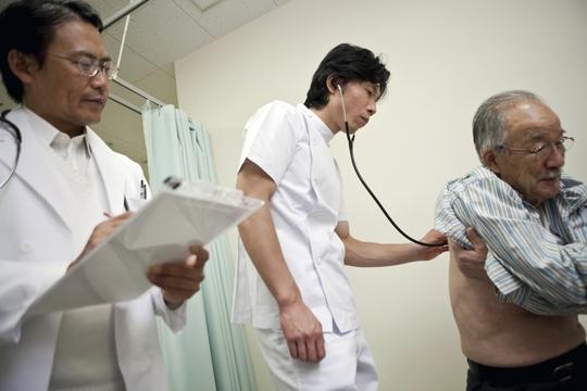 Người dân Nhật Bản được chăm sóc sức khoẻ thường xuyên