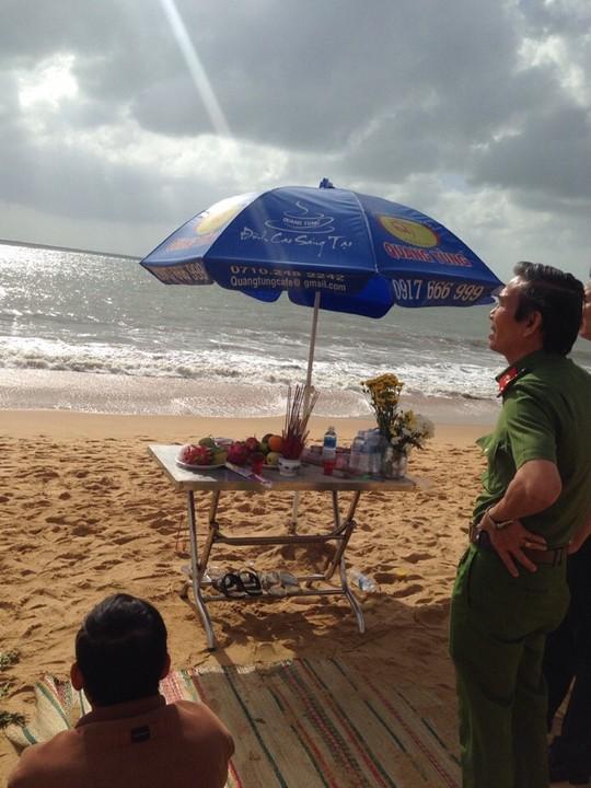 Đại tá Trần Ngọc Thanh, Giám đốc Cảnh sát PCCC tỉnh Bình Định đến hiện trường chỉ huy lực lượng cứu hộ tìm kiếm sinh viên mất tích