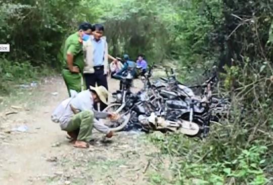 Hiện trường vụ lâm tặc đốt 9 xe máy. Ảnh: CTV