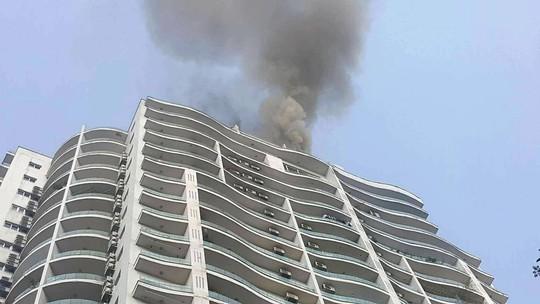 Cháy lớn tại chung cư hạng sang Golden Westlake - Ảnh 2.
