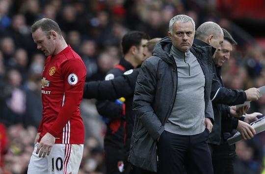 Không có Ibrahimovic, Jose Mourinho nhiều khả năng sẽ đặt niềm tin vào Wayne Rooney khi làm khách của Chelsea Ảnh: Reuters