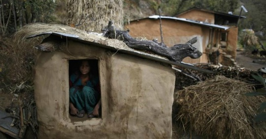 Chết oan vì hủ tục kinh nguyệt ở Nepal - Ảnh 1.