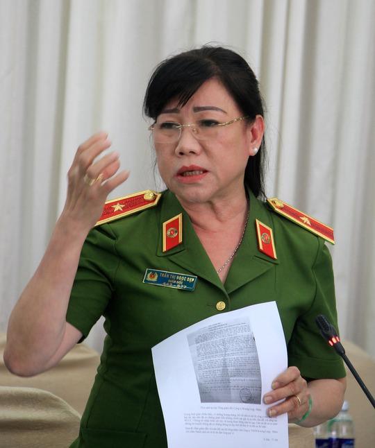 Thiếu tướng Trần Thị Ngọc Đẹp chia sẻ tại buổi họp báo