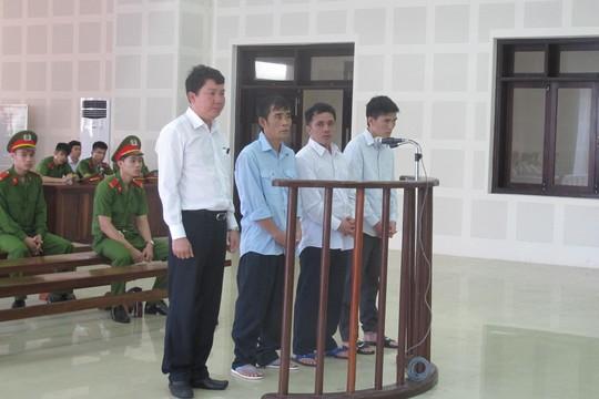 4 bị cáo liên quan đến vụ lật tàu Thảo Vân 2 sẽ được mang ra xét xử lại vào ngày 3-4