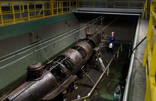 Vụ tự sát bí ẩn của tàu ngầm Mỹ - Ảnh 1.