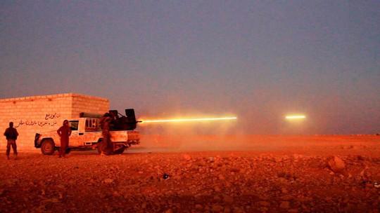 Vũ khí Mỹ rơi vào tay IS - Ảnh 1.