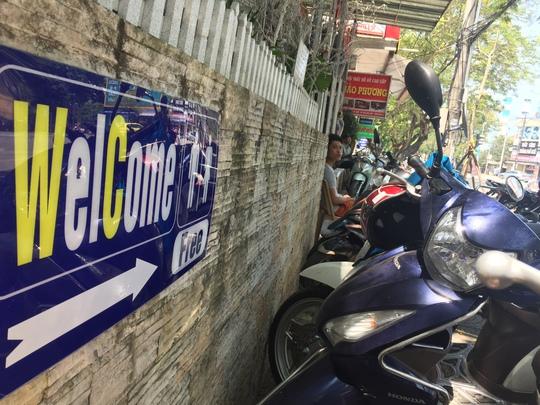 Bảng chỉ dẫn mời sử dụng nhà vệ sinh miễn phí xuất hiện nhiều nơi ở TP Huế, tỉnh Thừa Thiên - Huế