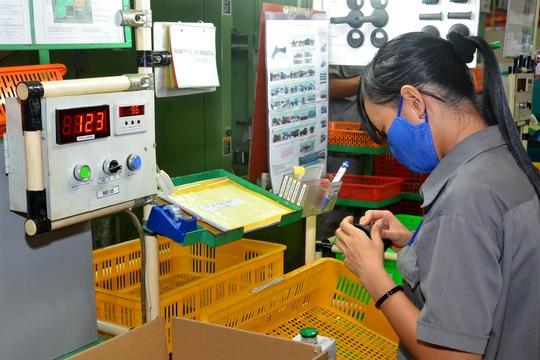 Sản xuất cao su kỹ thuật cao xuất khẩu tại TP HCM. Ảnh: Tấn Thạnh