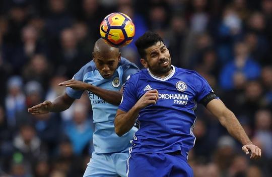 Diego Costa (phải) cần lấy lại cảm hứng ghi bàn mới mong giúp Chelsea vượt qua Man City như trận lượt đi Ảnh: REUTERS