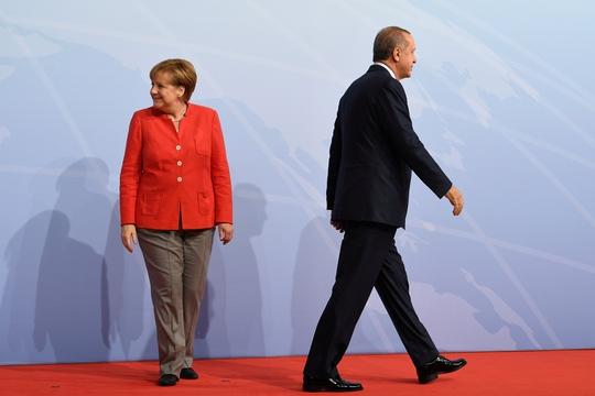 Đức - Thổ Nhĩ Kỳ đổ dầu vào lửa - Ảnh 1.