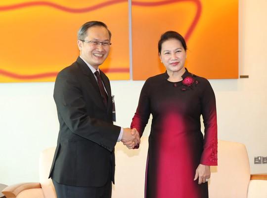 Chủ tịch Quốc hội thăm chính thức Singapore - Ảnh 1.