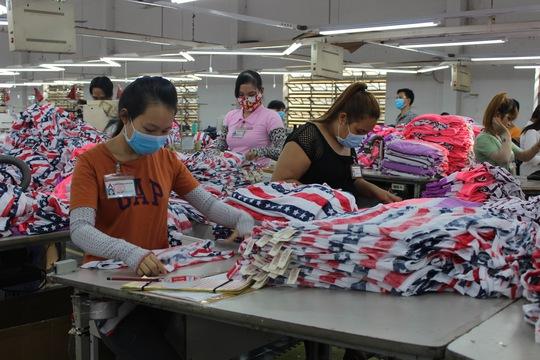 Năng suất lao động của ngành công nghiệp Việt Nam vẫn kém nhiều so với các nước trong khu vực Ảnh: THANH NGA