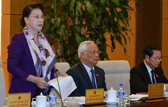 Chủ tịch Quốc hội Nguyễn Thị Kim Ngân cho ý kiến tại cuộc họp của Ủy ban Thường vụ Quốc hội vào ngày 14-3