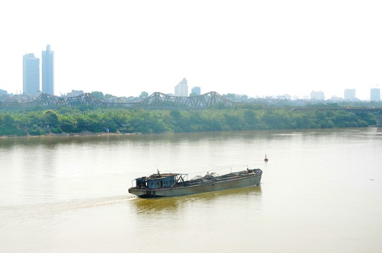 Khu vực ven sông Hồng sẽ được quy hoạch thành khu đô thị hiện đại, du lịch đường sông, phát triển giao thông... Ảnh: Nguyễn Hưởng
