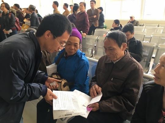 Người dân chờ khám chữa bệnh BHYT tại một cơ sở y tế ở Hà Nội. (Ảnh chỉ có tính minh họa)