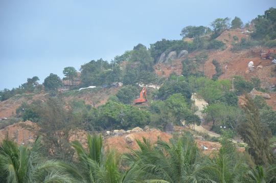 Bán đảo Sơn Trà đang bị cày xới, băm nát để xây khu nghỉ dưỡng khiến người dân bức xúc