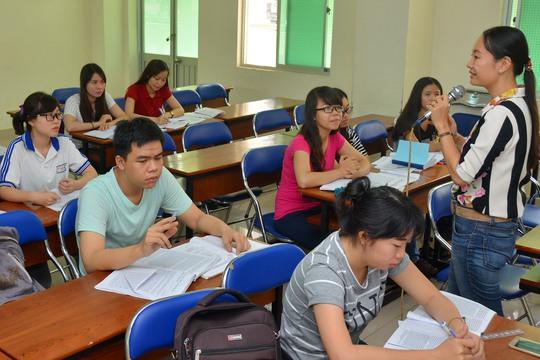 Một tiết giảng của giảng viên Trường ĐH Sư phạm TP HCM Ảnh: Tấn Thạnh