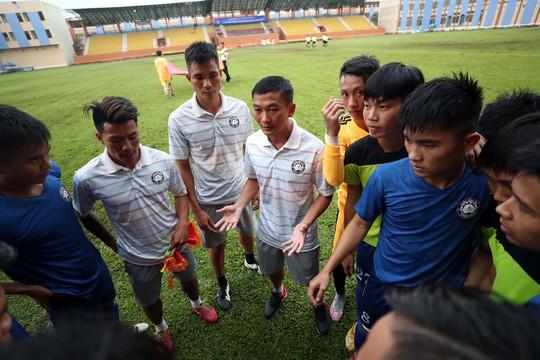 Bạn của Công Vinh dò đường lên V-League - Ảnh 1.