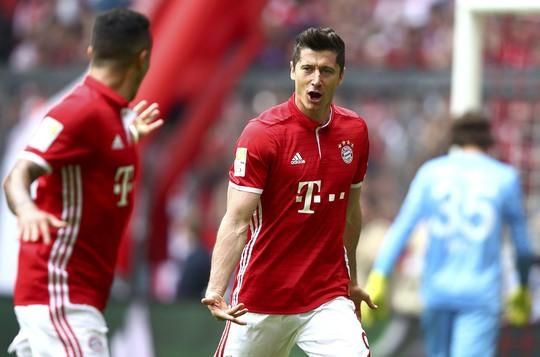 Lewandowski, niềm hy vọng lớn nhất cho cuộc lội ngược dòng của Bayern Munich ở lượt về Ảnh: REUTERS
