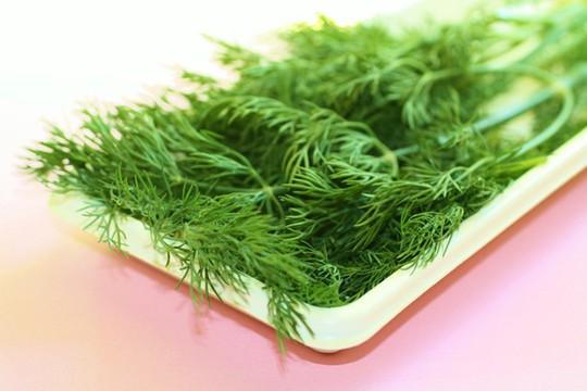 Rau thơm giúp tăng giá trị dinh dưỡng cho bữa ăn. Ảnh: Clean cuisine.