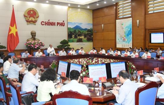 Thủ tướng: Phân cấp, phân quyền tối đa cho TP HCM - Ảnh 2.