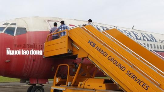 Bất ngờ với nội thất máy bay Boeing bỏ rơi 10 năm ở Nội Bài - Ảnh 4.
