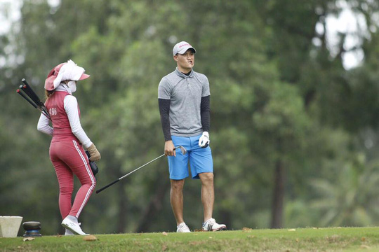 Công Vinh thi đánh golf, ẵm ngay giải 3 - Ảnh 2.