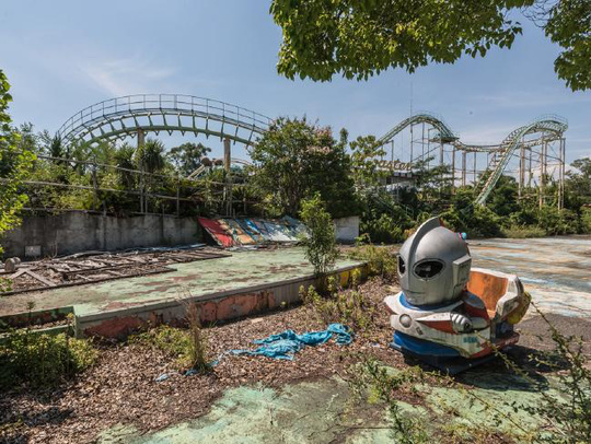 Nhìn cảnh tượng này, ít ai ngờ được Nara Dreamland trước đây từng là công viên giải trí số 1 Nhật Bản. Ảnh: Romain Veillon