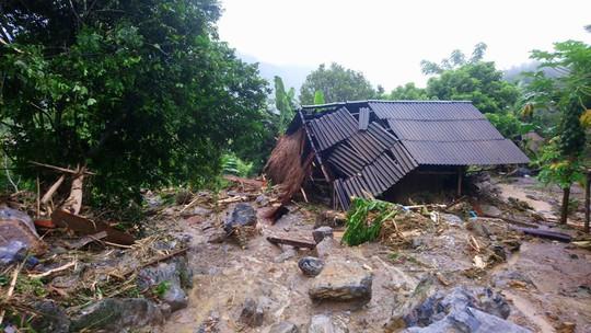Thiệt hại nặng nề do mưa lũ: 62 người chết và mất tích - Ảnh 1.