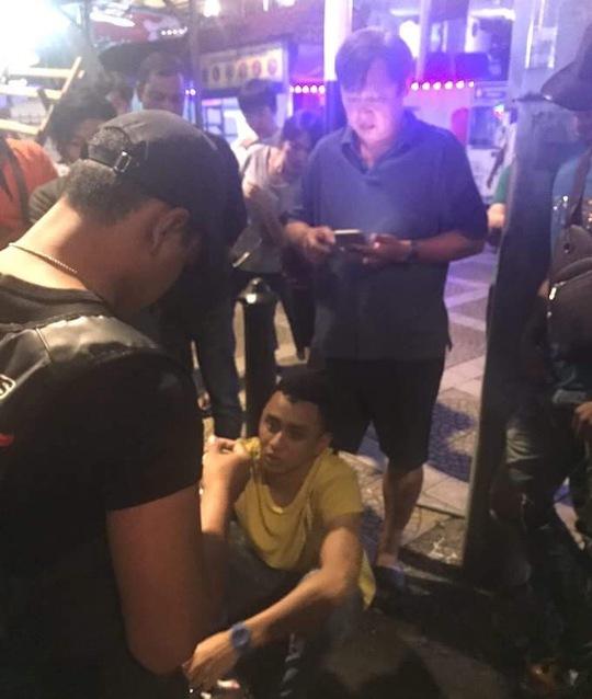 Thầy của Ánh Viên bị giật điện thoại tại Malaysia - Ảnh 1.