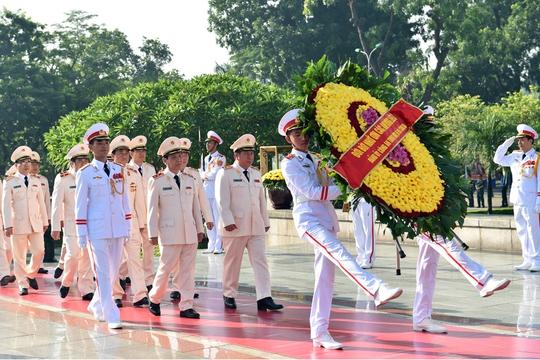 Tổng Bí thư: Không bao giờ quên ơn các anh hùng liệt sĩ, thương binh - Ảnh 5.