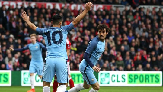 Aguero và Silva giúp Man City sớm gianh vé vào bán kết cúp FA